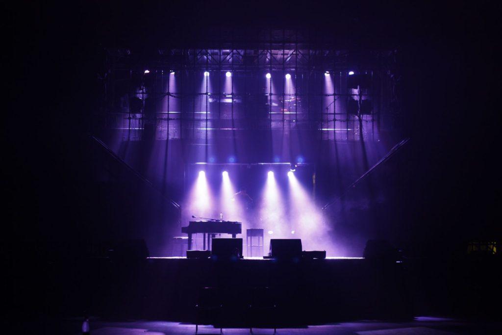 Checco Zalone – Resto Umile World Tour