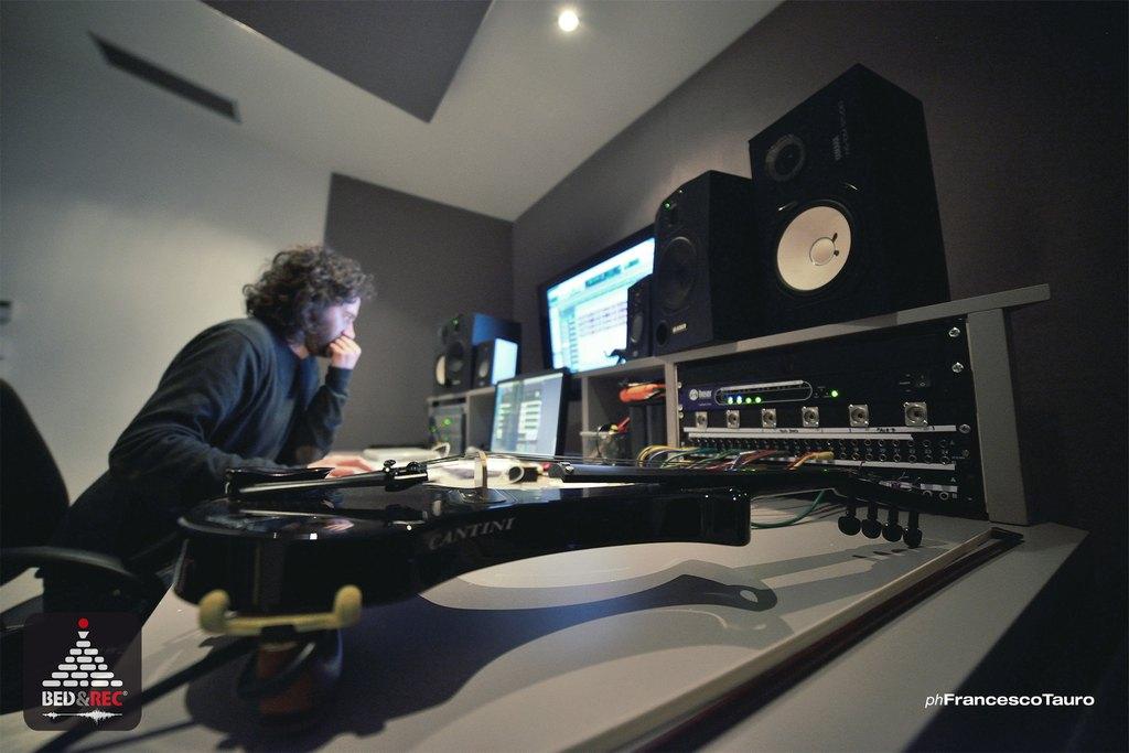 Maurizio Lomartire - Studio Session - Bed&Rec Officina Musicale