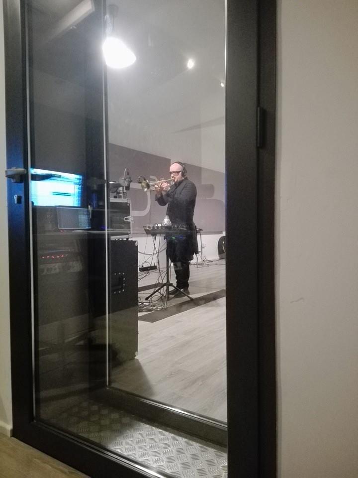Giovanni Falzone - Studio Session - Officina Musicale