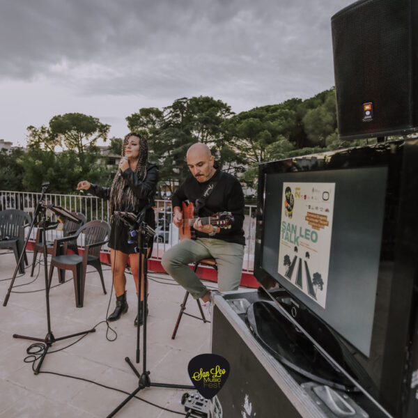 Nina Acoustic Duo 2
