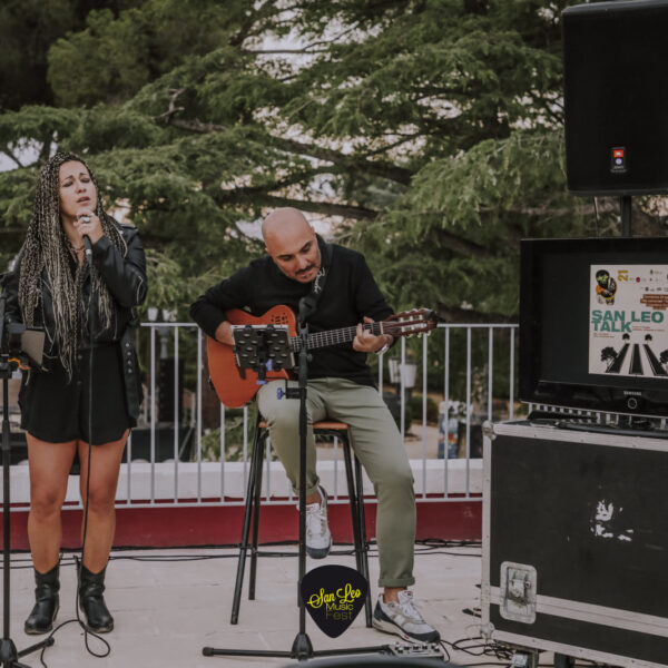 Nina Acoustic Duo 8